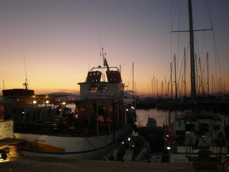 Západ slnka v prístave
