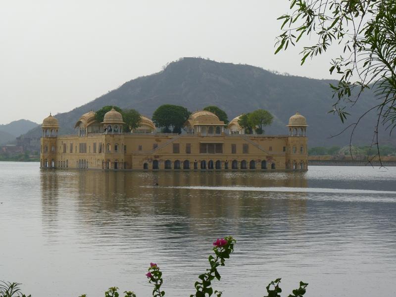 Vodný palác