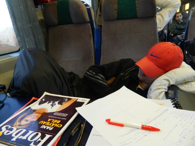 Spanie vo vlaku