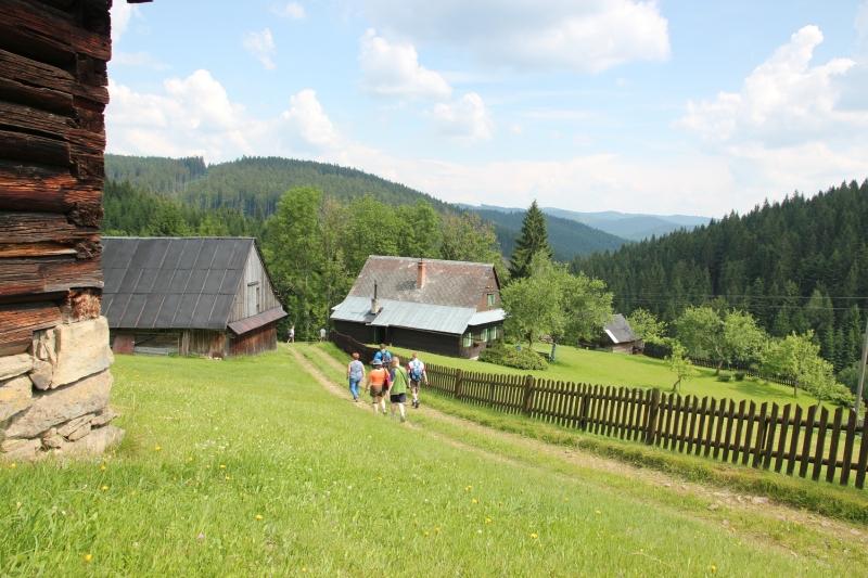 Veľké Karlovice drevenice
