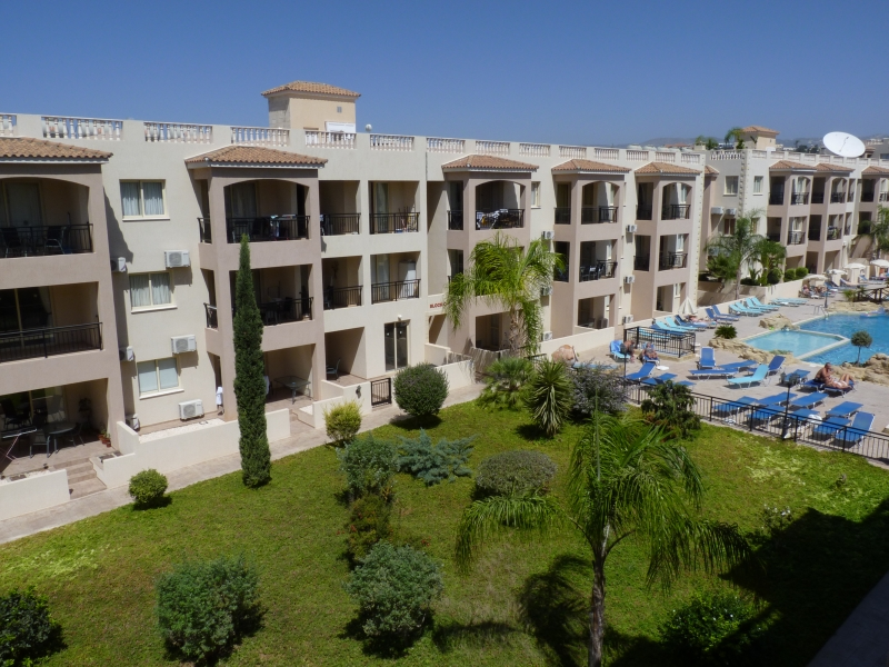 Royal Sea Crest Apartments