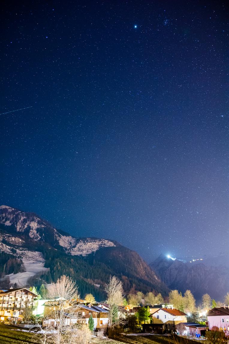 Nočná obloha Kaprun