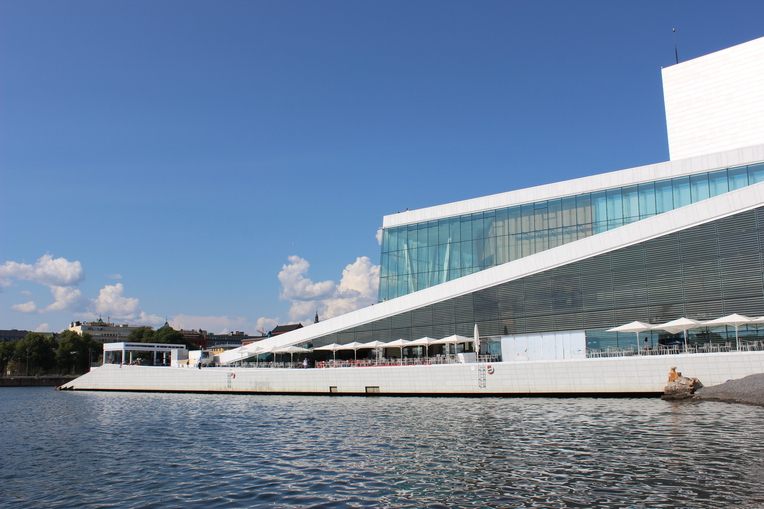 Budova opery v Osle